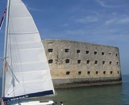 En catamaran autour du Fort Boyard